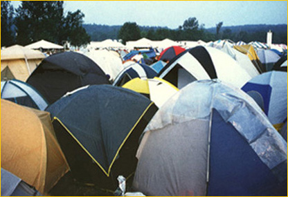 woodstock-tents.jpg (59037 bytes)